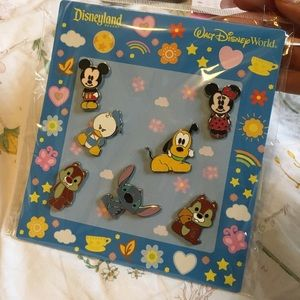 Disney Character Pin Set